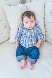 2 μηνών αγοράκι στο σπίτι Στοκ Φωτογραφία