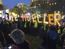 Μην βάλτε φωτιά στο Robert Mueller στοκ εικόνες