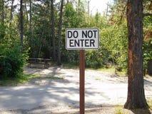 Μην εισάγετε το σημάδι σε ένα Campground Στοκ Εικόνες