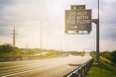 Μην πηγαίνετε με τη ροή Στοκ φωτογραφίες με δικαίωμα ελεύθερης χρήσης