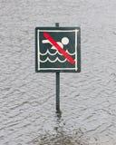 Μην προειδοποιήστε καμία κολύμβηση που επιτρέπεται Στοκ εικόνα με δικαίωμα ελεύθερης χρήσης