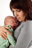 μητέρα εκμετάλλευσης μω& στοκ φωτογραφίες με δικαίωμα ελεύθερης χρήσης