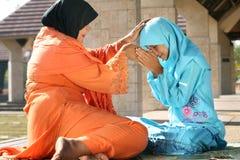 μητέρα Ισλάμ παιδιών στοκ φωτογραφία