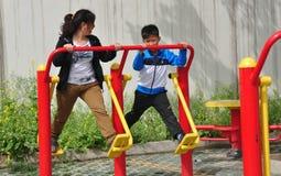 Pengzhou, Κίνα: Άσκηση μητέρων & γιων Στοκ φωτογραφίες με δικαίωμα ελεύθερης χρήσης