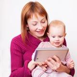 Μητέρα και κοριτσάκι Στοκ εικόνες με δικαίωμα ελεύθερης χρήσης