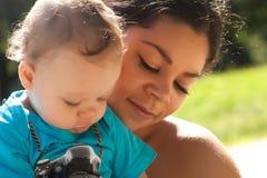 Μητέρα και ο γιος της Στοκ Φωτογραφίες