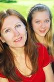 μητέρα κορών στοκ φωτογραφία με δικαίωμα ελεύθερης χρήσης