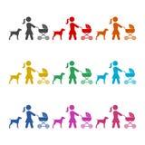 Μητέρα με τη μεταφορά μωρών που περπατά με το εικονίδιο σκυλιών ή το λογότυπο, σύνολο χρώματος ελεύθερη απεικόνιση δικαιώματος