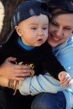 Μητέρα με το αγοράκι. Στοκ φωτογραφία με δικαίωμα ελεύθερης χρήσης