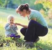 Μητέρα με το παιδί Στοκ Εικόνες