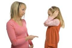 μητέρα πειθαρχιών κορών στοκ φωτογραφίες με δικαίωμα ελεύθερης χρήσης