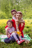 μητέρα δύο κορών Στοκ φωτογραφία με δικαίωμα ελεύθερης χρήσης