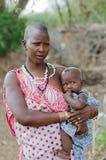 μητέρα masai παιδιών Στοκ φωτογραφία με δικαίωμα ελεύθερης χρήσης
