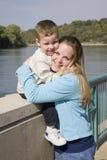 μητέρες αγάπης Στοκ Φωτογραφίες