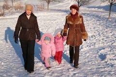 μητέρες δύο παιδιών Στοκ εικόνα με δικαίωμα ελεύθερης χρήσης