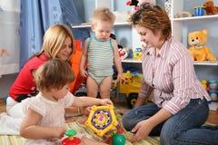 μητέρες δύο παιδιών Στοκ Φωτογραφία