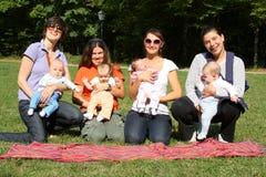 μητέρες μωρών Στοκ Εικόνες