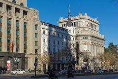 Μητρόπολη που χτίζει τη μητρόπολη Edificio σε Alcala και Gran μέσω των οδών στην πόλη της Μαδρίτης, S στοκ εικόνα
