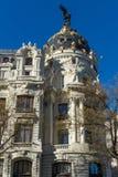 Μητρόπολη που χτίζει τη μητρόπολη Edificio σε Alcala και Gran μέσω των οδών στην πόλη της Μαδρίτης, S στοκ φωτογραφίες με δικαίωμα ελεύθερης χρήσης