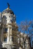 Μητρόπολη που χτίζει τη μητρόπολη Edificio σε Alcala και Gran μέσω των οδών στην πόλη της Μαδρίτης, S στοκ φωτογραφία