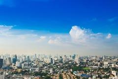 Μητρόπολη της Μπανγκόκ, εναέρια άποψη πέρα από τη μεγαλύτερη πόλη στοκ φωτογραφία με δικαίωμα ελεύθερης χρήσης