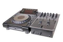Μηχάνημα αναπαραγωγής CD και αναμίκτης του DJ Στοκ Φωτογραφία