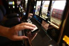 Μηχάνημα τυχερών παιχνιδιών με κέρματα Vegas Στοκ Εικόνες