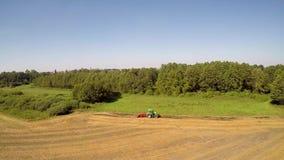 Μηχανές γεωργίας στην εργασία απόθεμα βίντεο