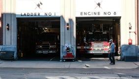 Μηχανές πυροσβεστικής υπηρεσίας της Βοστώνης εκεί στους κόλπους, Βοστώνη, μΑ Στοκ Εικόνες