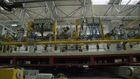 Μηχανές υψηλής τεχνολογίας για την παραγωγή χαρτονιού στο εργαστήριο απόθεμα βίντεο