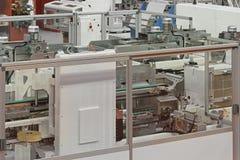 Μηχανήματα συσκευασίας χαρτοκιβωτίων στοκ εικόνες