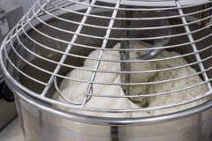 Μηχανή για να ζυμώσει το ψωμί Στοκ εικόνες με δικαίωμα ελεύθερης χρήσης