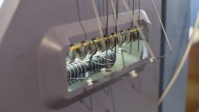 Μηχανή για τη διαδικασία πλεξίματος, νήμα για το πλέξιμο απόθεμα βίντεο