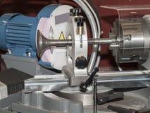 Μηχανή για chamfer βαλβίδων μηχανών στοκ φωτογραφίες