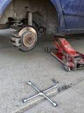 Μηχανή επισκευής ροδών στοκ εικόνα