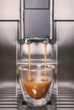 μηχανή καφέ σύγχρονη Στοκ εικόνα με δικαίωμα ελεύθερης χρήσης