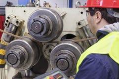 Μηχανή οργάνων ελέγχου εργαζομένων στοκ φωτογραφία