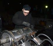 Μηχανή που θέτει για το τρύπημα του μανικιού Στοκ φωτογραφία με δικαίωμα ελεύθερης χρήσης