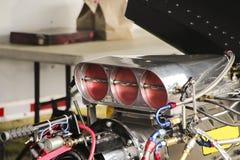 Μηχανή ραλιών, σώμα ρυθμιστικών βαλβίδων, επιγραφή Στοκ Φωτογραφίες
