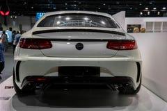 Μηχανή του Ντουμπάι, Benz της Mercedes γωνία που επιδεικνύει κατηγορία AMG coupe Mansory των επικών νέων αυτοκινήτων τους τη _S στοκ εικόνα
