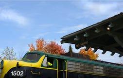Μηχανή τραίνων Adirondack στο μεγάλο σταθμό αλκών το φθινόπωρο Στοκ εικόνα με δικαίωμα ελεύθερης χρήσης
