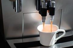 μηχανή φλυτζανιών καφέ Στοκ Εικόνα