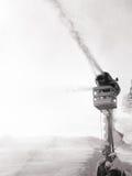 Μηχανή χιονιού που κάνει το τεχνητό χιόνι Στοκ Φωτογραφία