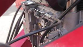 Μηχανή diesel στο τρακτέρ απόθεμα βίντεο
