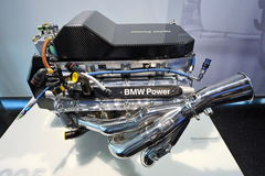 Μηχανή Formula 1 της BMW V10 στην επίδειξη στο μουσείο της BMW Στοκ Εικόνα