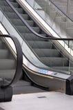 μηχανικά σκαλοπάτια Στοκ εικόνα με δικαίωμα ελεύθερης χρήσης