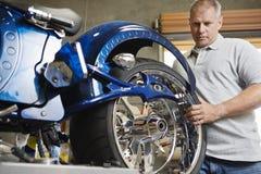 Μηχανική μοτοσικλέτα καθορισμού στοκ εικόνες