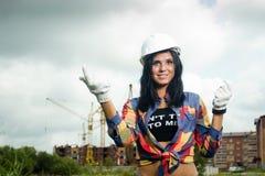 Μηχανικός κατασκευής στο εργοτάξιο οικοδομής Στοκ Φωτογραφίες
