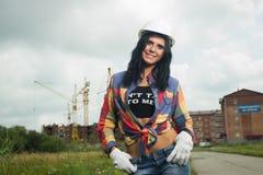Μηχανικός κατασκευής στο εργοτάξιο οικοδομής στοκ φωτογραφία