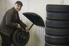 Μηχανικός στην εργασία Στοκ φωτογραφία με δικαίωμα ελεύθερης χρήσης